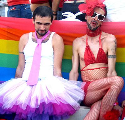 """Día del Orgullo Gay: ¿una marcha por los """"derechos"""" o un desfile de """"mariquitas""""?"""