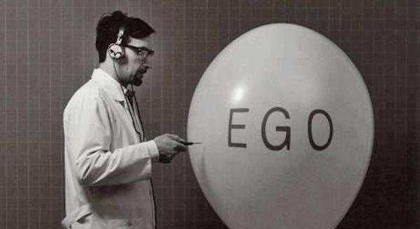 El ego, cáncer de la política no tradicional