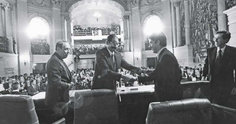 Un país y una Constitución: 25 años después