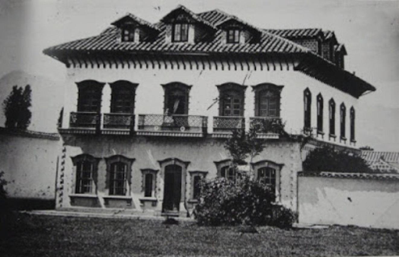 La casa más vieja de la ciudad, en el olvido