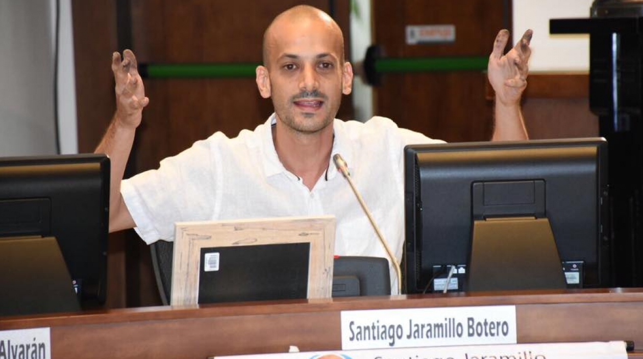 Concejal Santiago Jaramillo le da una cachetada a periodista de Telemedellín